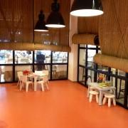 Restaurante con zona infantil